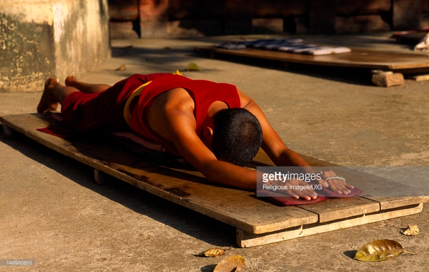 Prostrations Image